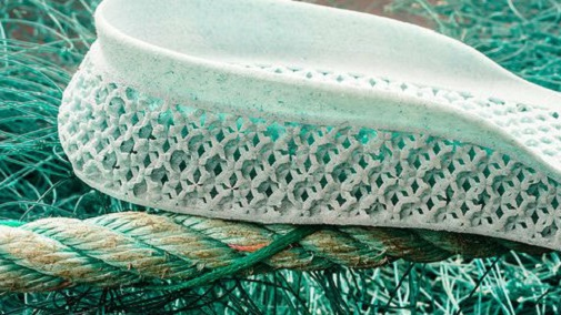 shoe plastic 16x9(1)